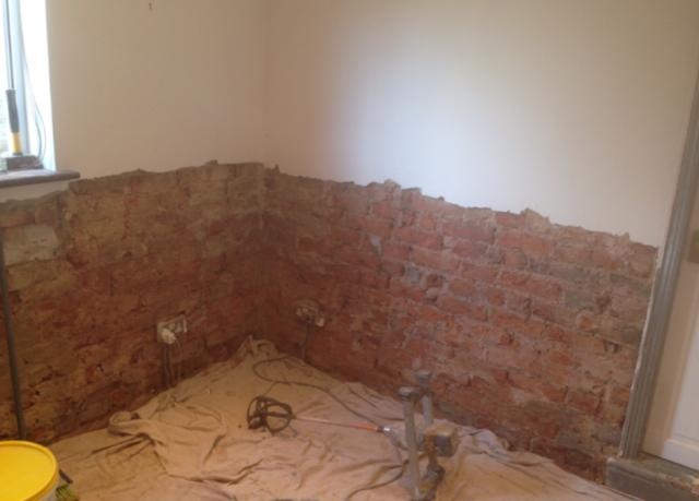 Evidence of rising damp and new DPC injection 2
